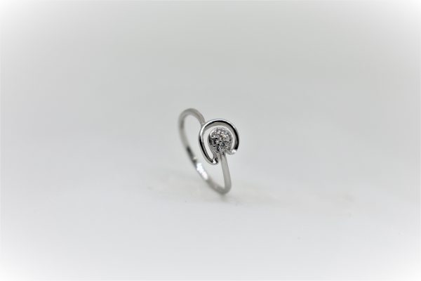 0.98 Grams 925 sterling silver lady ring